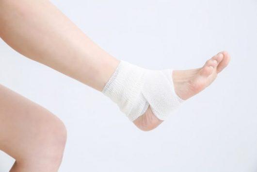 外傷を負った足