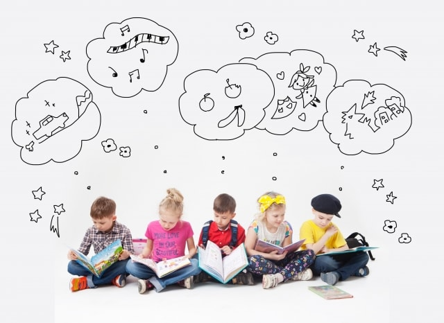 想像する子供たち